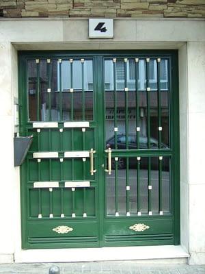 Ach Aluminios cerramientos aluminio y PVC Carpintería de aluminio y ventanas de PVC Puertas de entradaAch Aluminios cerramientos aluminio y PVC Carpintería de aluminio y ventanas de PVC Puertas de entrada